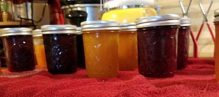 6 Jam Recipes and 1 Cute Wedding Present